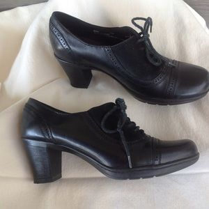 Clark's black leather/suede heel boots SZ 6.5